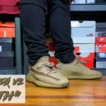 """HONEST REVIEW OF THE YEEZY 350 V2 """"EARTH""""!!! YEEZY 350 V2 """"EARTH"""" REVIEW & ON FEET IN 4K!!!"""